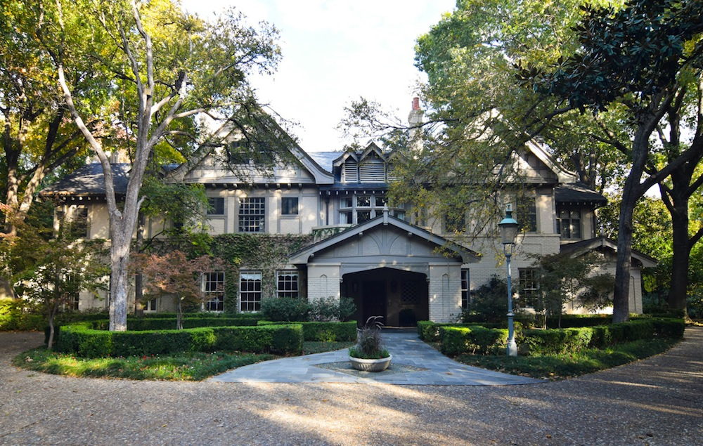 The Trammell Crow home in Highland Park was in that family for more than 50 years. Now it's time for new owners to enjoy the 10,000-square-foot house. Photo: courtesy of Dallas Morning News.