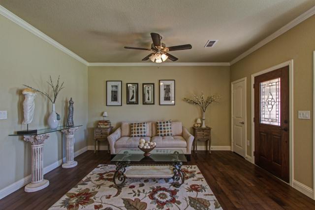 005_Living Room