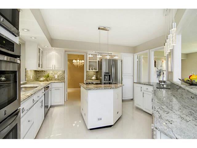 2202 Cambria Kitchen