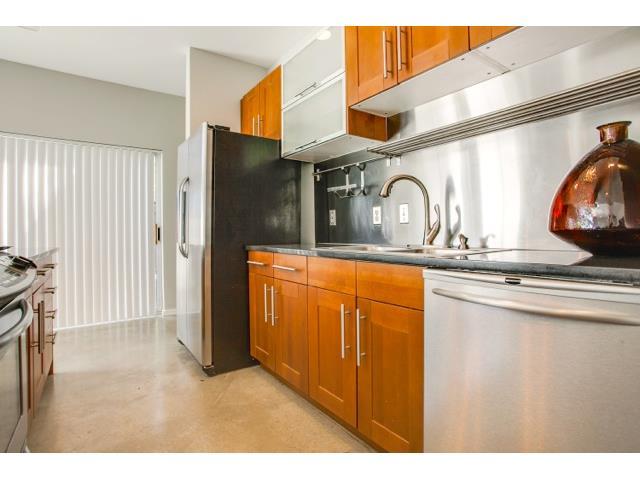 2211 N. Fitzhugh Kitchen 3