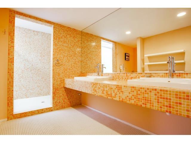 2211 N. Fitzhugh Master Bath