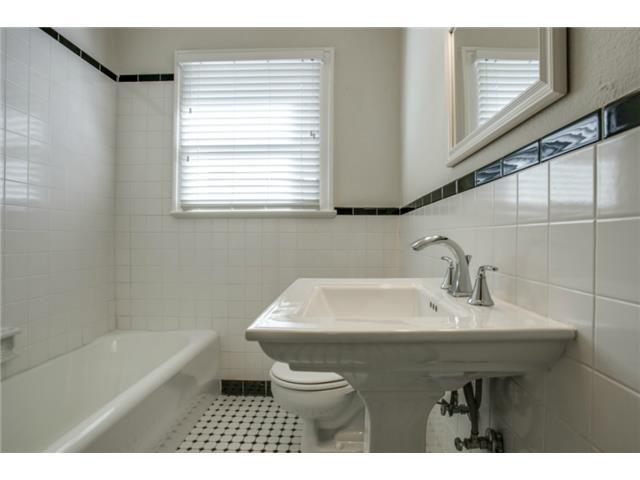 5234 Monticello bath 1