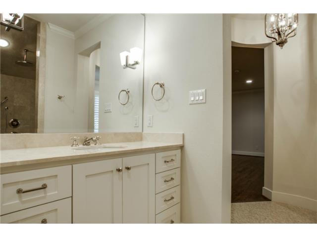 5234 Monticello bath 2
