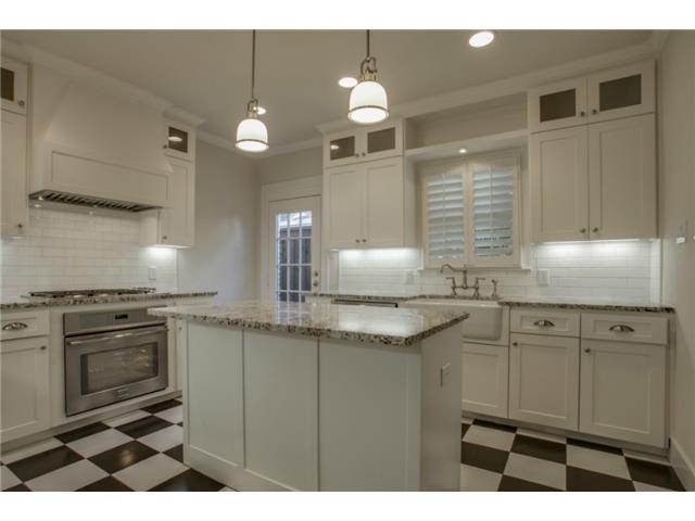 5234 Monticello kitchen
