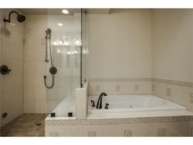 5234 Monticello master bath 2