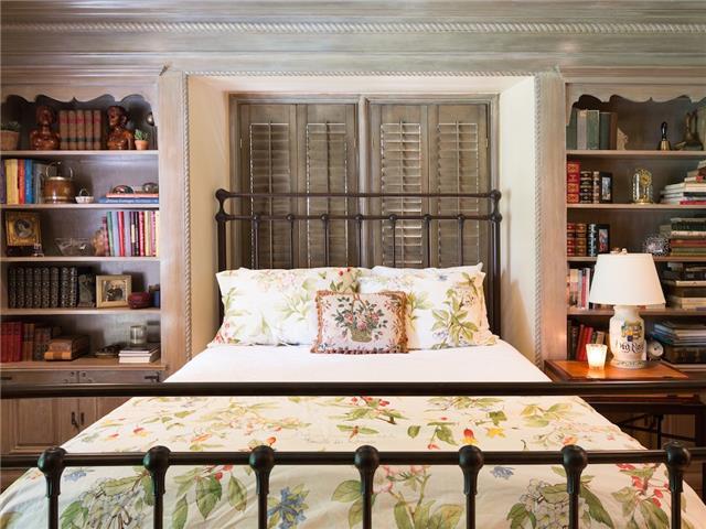 6820 Avalon bedroom1
