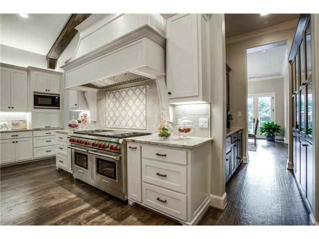 9226 Hathaway Kitchen 3