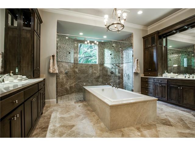 9226 Hathaway Master Bath