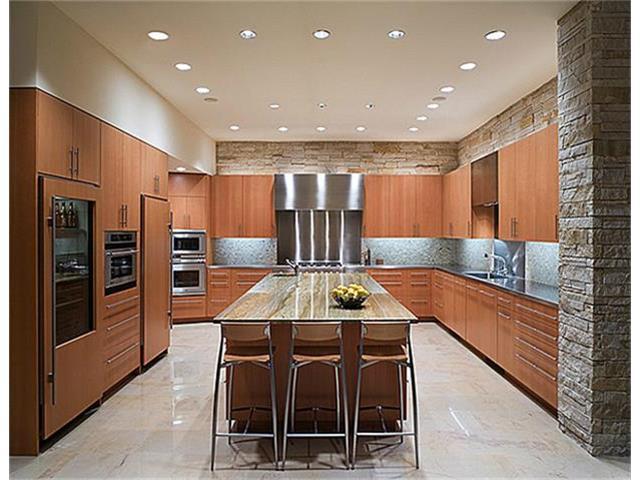 40 Braewood kitchen 2