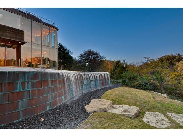 40 Braewood water wall