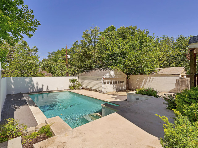 4010 Bryce Backyard