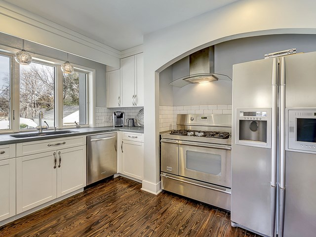 4010 Bryce Kitchen 1