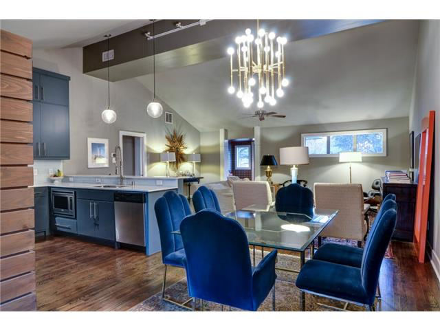 4135 Lively Dining to kitchen