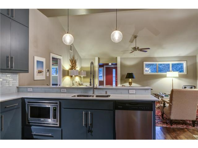 4135 Lively Kitchen to living