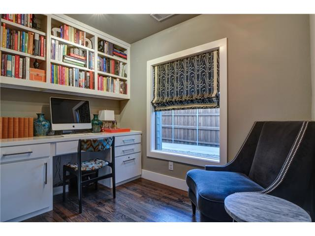 4135 Lively Office