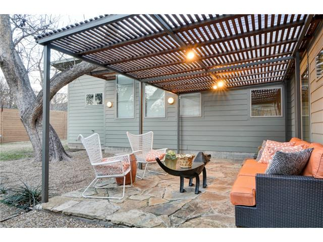 4135 Lively Patio 2