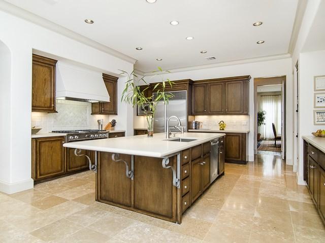 4222 Manning kitchen1