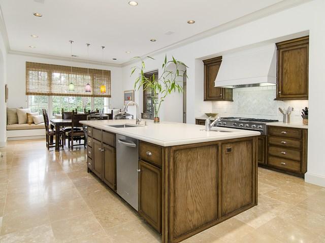 4222 Manning kitchen3
