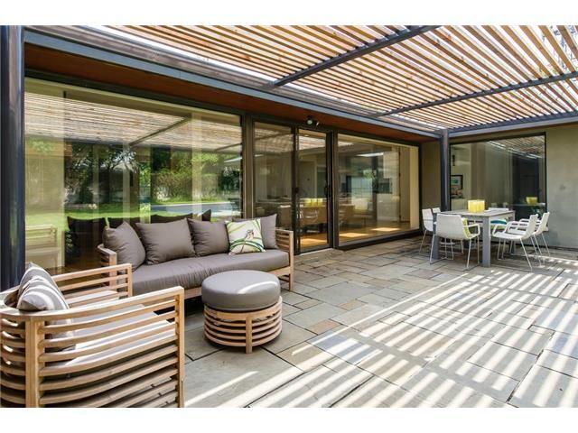 4445 College Park patio