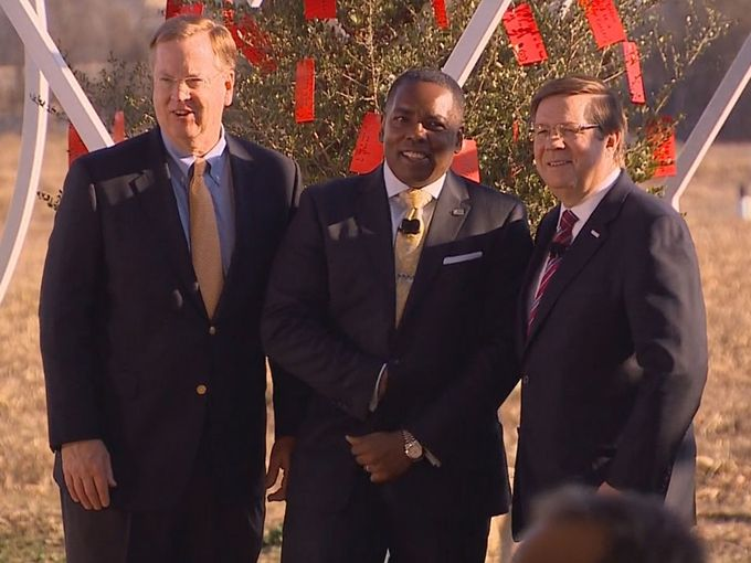 Toyota Executives groundbreaking
