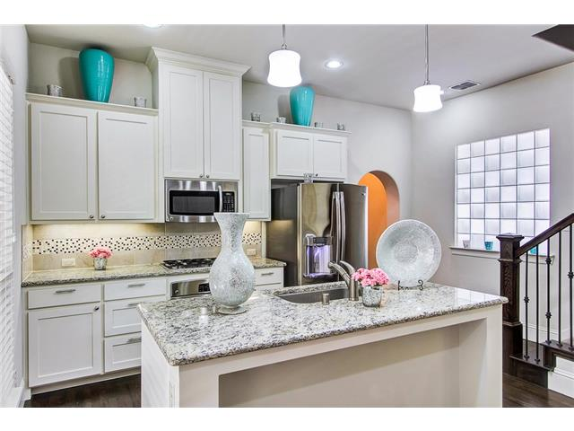 2244 Longwood kitchen 2