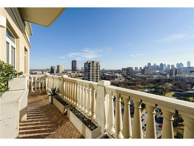 3505 Turtle Creek balcony