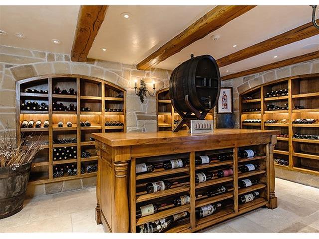 4412 Lakeside wine cellar