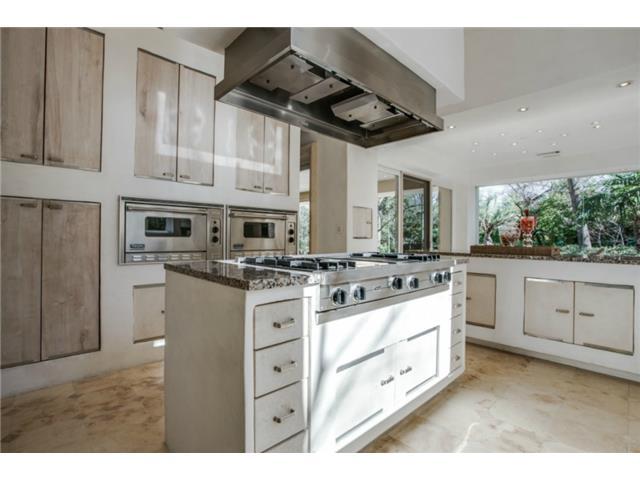 8626 Lakemont kitchen 3