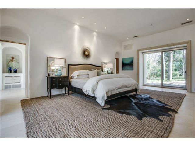 8626 Lakemont master bed 2