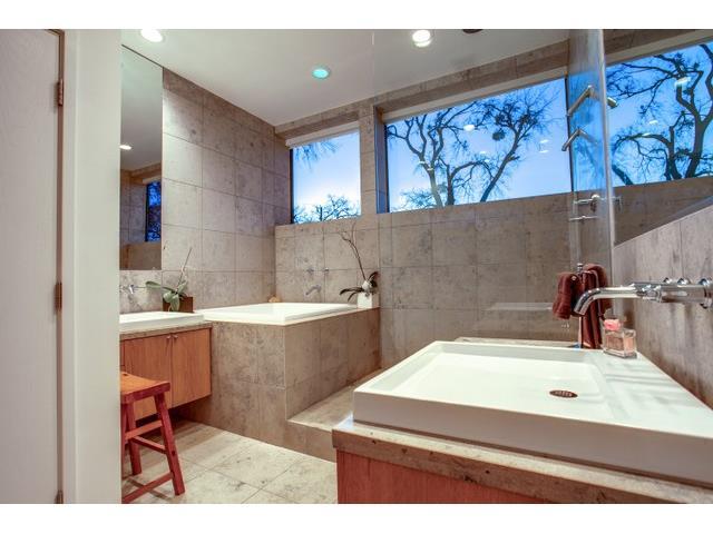9562 Ash Creek Upstairs Bath