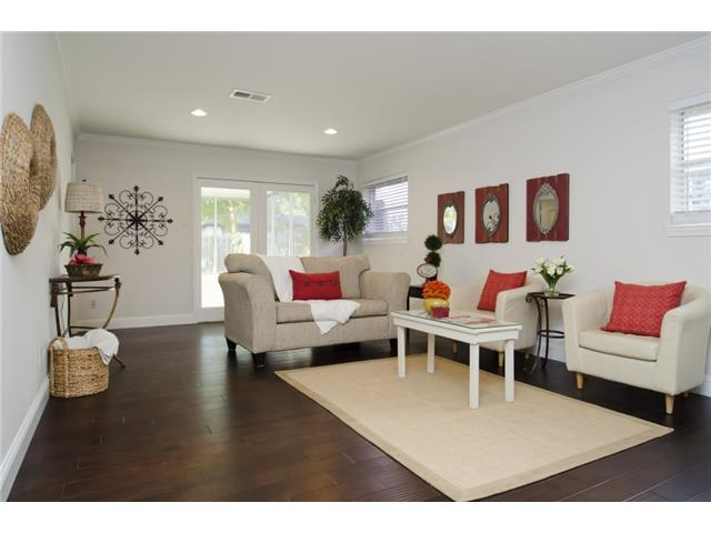 Great Family Room with doors to the outdoor living screened porc
