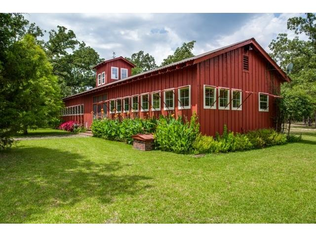 """Dairy Barn"" guest house has bedroom, kitchen,washer, dryer & la"