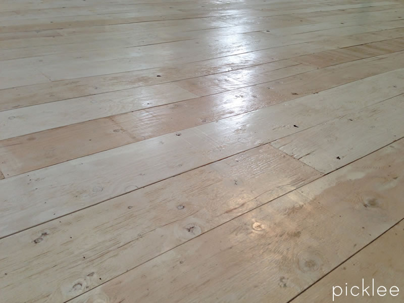 plywood_-floor_wide-plank_farmhouse_floor