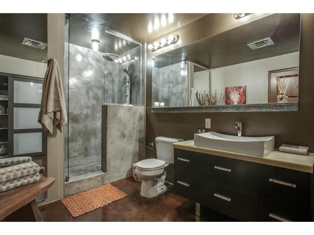 1122 Jackson St. 908 Master Bath