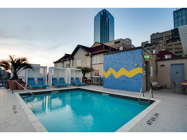 1122 Jackson St. 908 Rooftop Pool 2