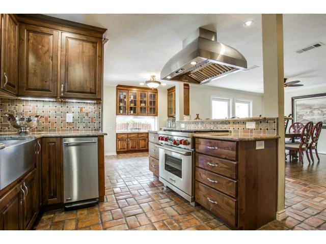 2726 Lawtherwood Kitchen 1