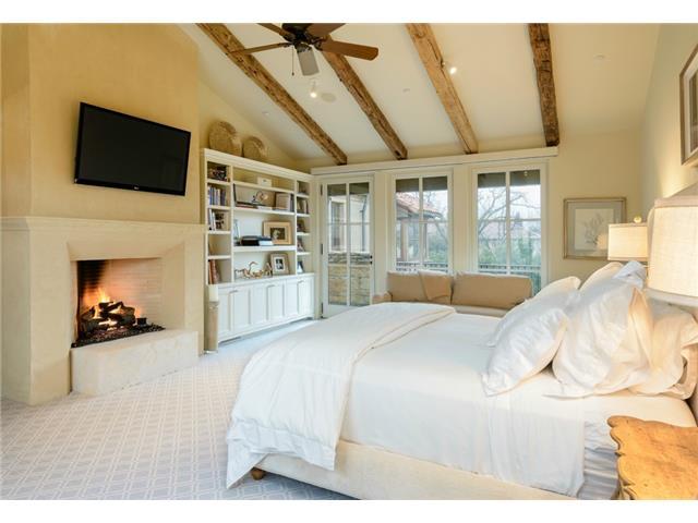 3700 Euclid bedroom1