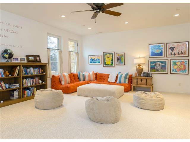 3700 Euclid sitting room