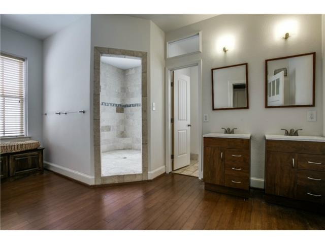 410 S. Windomere Bathroom