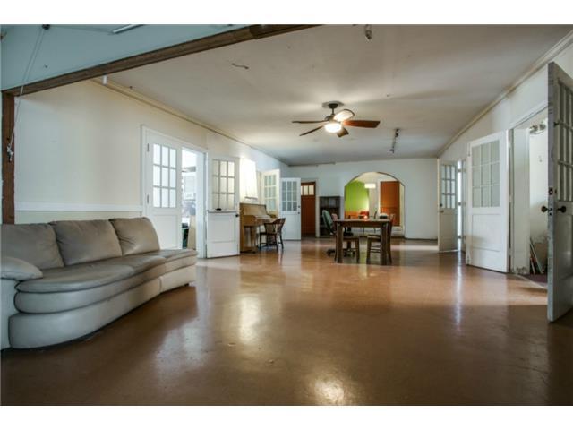 410 S. Windomere Living Area