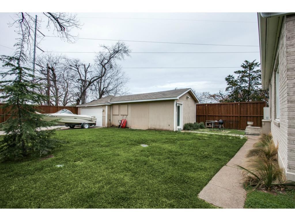 4503 Vandelia Backyard