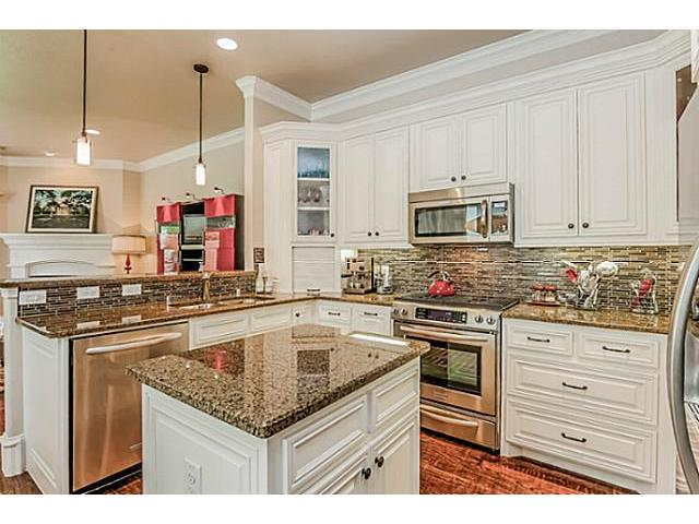 5502 Longview Kitchen