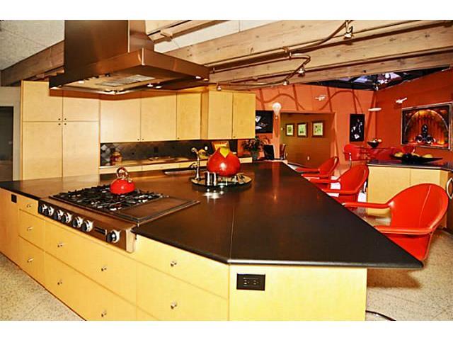 9729 Van Dyke Kitchen
