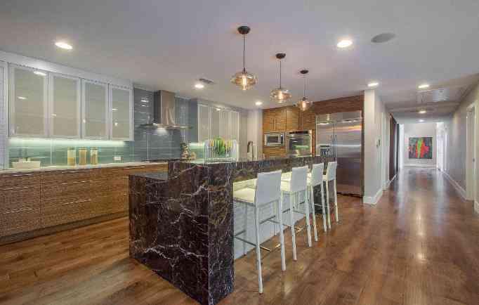 9026_McCraw_Drive_noe_de_leon_identity_real_estate_kitchen-682x434