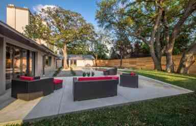 9026_McCraw_Drive_noe_de_leon_identity_real_estate_patio1-384x248