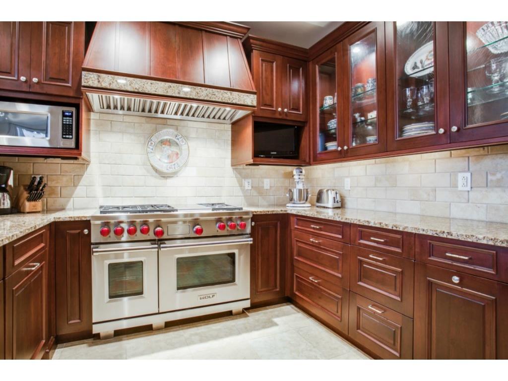 Ritz 1602 kitchen 3