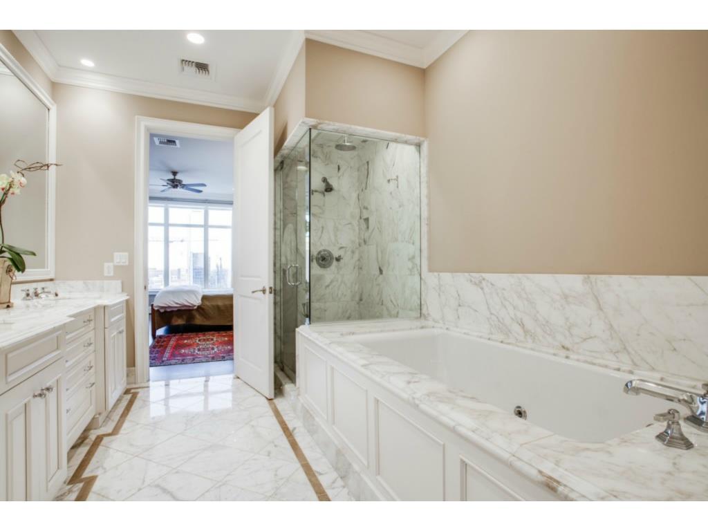 Ritz 1602 master bath
