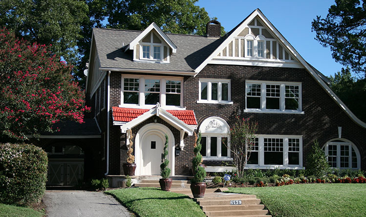 One of the many houses in the Swiss Avenue Historic District. Photo: Swiss Avenue Historic District