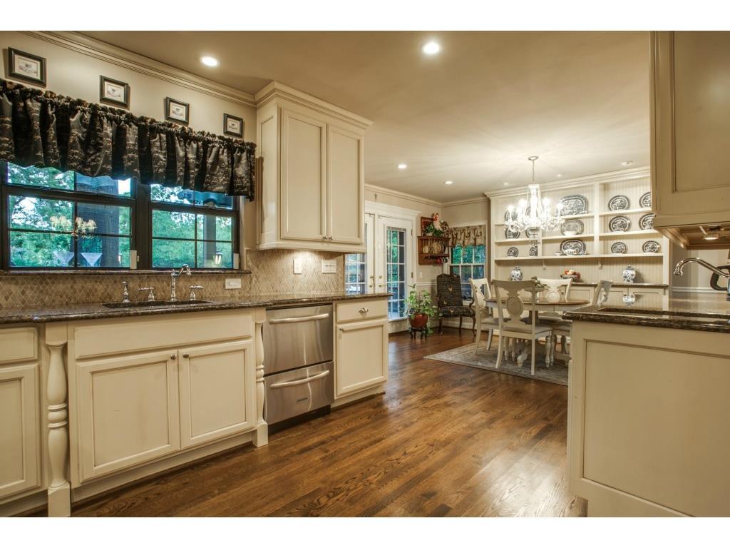 1136 Turner kitchen