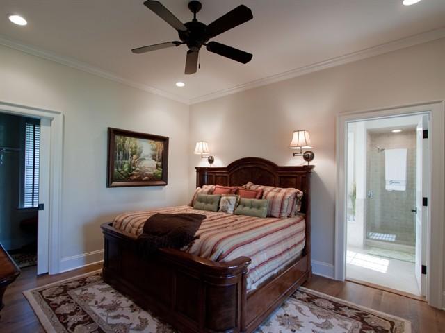 303_634765618025677786_HC 8 Bedroom 2_1600x1200